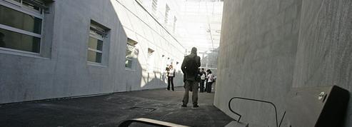 Centres de rétention : «Je ne pensais pas que cela ressemblait autant à une prison»