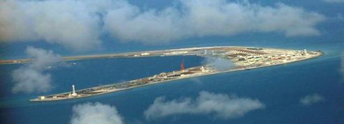Ces clichés qui montrent comment Pékin transforme des îlots disputés en bases militaires