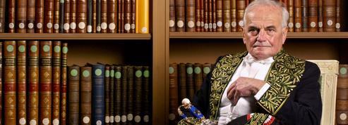 Affaire Michel Déon:l'improvisation d'Anne Hidalgo raillée par l'opposition