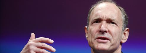 Tim Berners-Lee, inventeur du Web, appelle à la régulation de Facebook, Google et Twitter