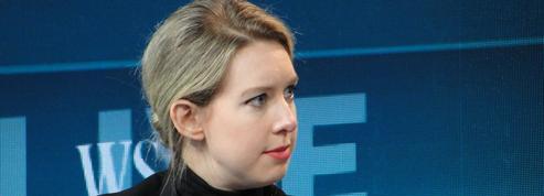 La chute d'Elizabeth Holmes, star de la Silicon Valley accusée d'escroquerie