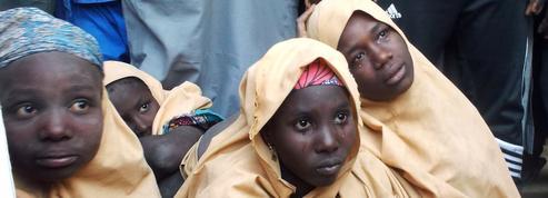 Nigeria : Boko Haram rend à leurs parents une centaine d'écolières enlevées en février