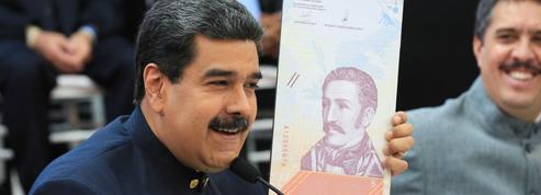 Les Vénézuéliens vont payer avec de nouveaux bolivars, privés de trois zéros