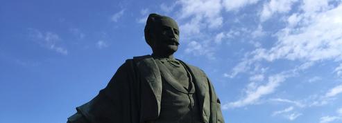 L'Égypte joue à cache-cache avec la statue de Lesseps