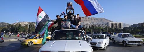 Après les frappes, Assad mise sur ses alliés russes et iraniens