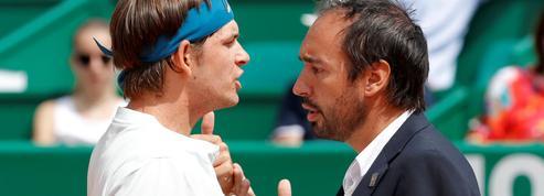 Un joueur américain menaçant envers l'arbitre à Monte-Carlo