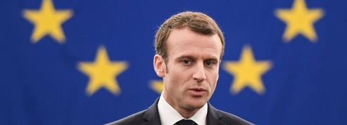 Macron presse Merkel d'agir face à l'Europe de la paralysie