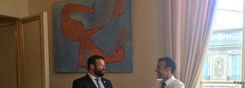 Macron s'engage pour l'insertion des personnes handicapées en entreprise