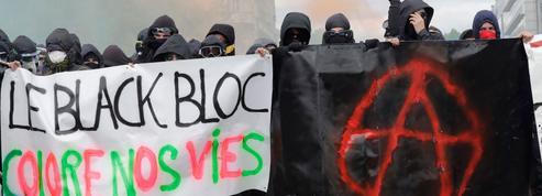 Qui sont les black blocs, accusés des violences du 1er Mai?