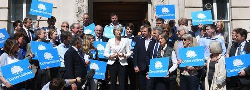 Theresa May confortée par les élections locales en Grande-Bretagne