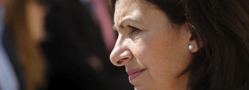 Anne Hidalgo observe les manœuvres des macronistes pour les municipales