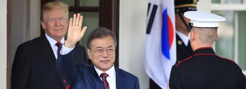 Corée du Nord: Trump et Moon au chevet du sommet de Singapour