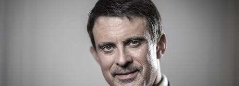 Manuel Valls fait un pas de plus vers une candidature à Barcelone