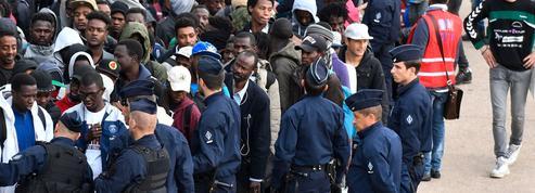 Paris : au camp du «Millénaire» près de la Villette, plus de mille migrants évacués