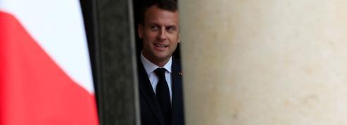 Sondage : Macron passe le mois de mai sans trop de dégâts
