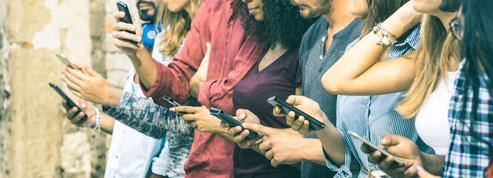 Aux États-Unis, près d'un adolescent sur 2 connecté en permanence