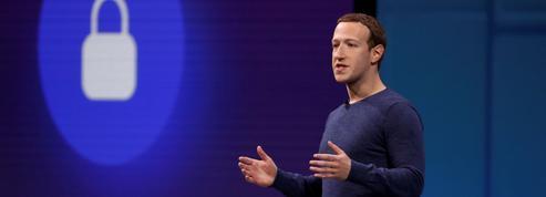 À l'AG de Facebook, Mark Zuckerberg essuie la colère d'actionnaires furieux