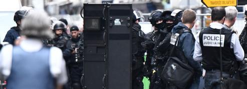 Prise d'otages à Paris : le forcené placé en garde à vue