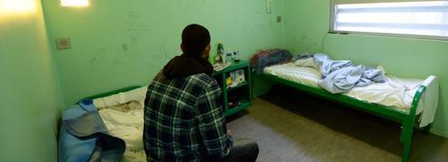 Migrants : un rapport dénonce l'enfermement d'enfants dans les centres de rétention
