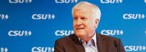 Crise migratoire: les conservateurs de la CSU accordent deux semaines à Angela Merkel