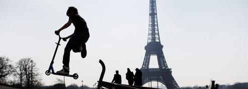 Les trottinettes électriques en libre-service arrivent à Paris