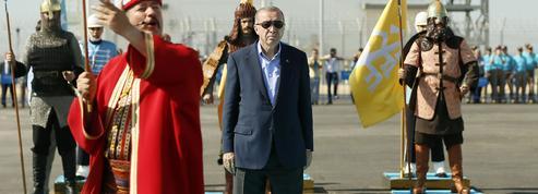 Turquie : Erdogan, la fuite en avant autoritaire d'un président qui se rêve sultan