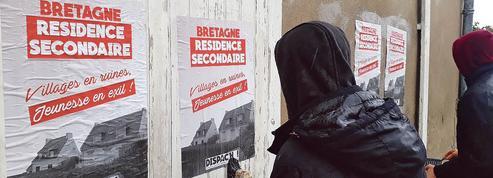 En Bretagne, des indépendantistes luttent contre les résidences secondaires