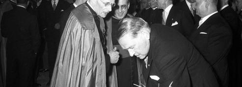 René Coty, premier chef d'État français reçu par le Pape pour une visite officielle en 1957