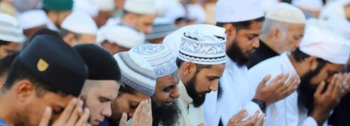 Islam de France : le gouvernement lance une grande concertation dans les départements