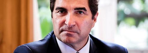 Révision constitutionnelle, maires macronistes... Les indiscrétions politiques du Figaro Magazine