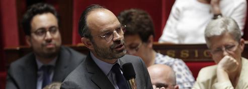 À l'Assemblée, Édouard Philippe recadre la droite en citant Cyrano de Bergerac