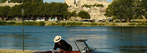Je vais «en» ou «à» Avignon: ne faites plus la faute !