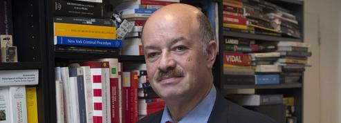 Alain Bauer: «Une forte crise matérielle et morale touche la police nationale»