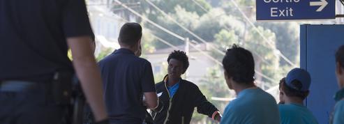 Migrants: le préfet nie les contrôles «au faciès et à l'odeur» à Menton