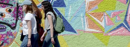 Trois guides pour se balader à Paris cet été