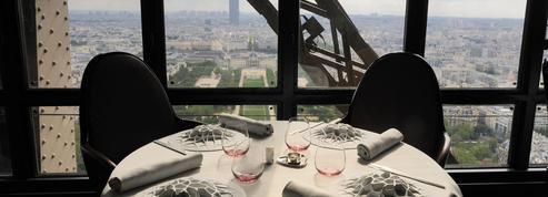 Ducasse-Marx: guerre des étoiles dans les cuisines de la tour Eiffel