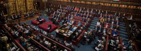 Cinq Ladies se révoltent contre la Chambre des lords