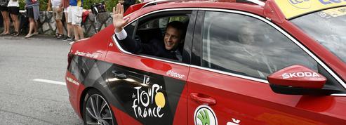 Macron décerne le maillot jaune à Philippe, le vert à Darmanin