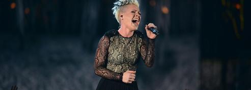 Hospitalisée à deux reprises, harcelée par les paparazzis, Pink annule concert sur concert