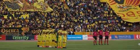 Douze morts dans un accident de car transportant des supporters en Equateur