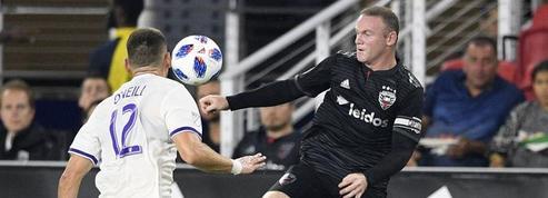 Course folle, tacle et centre parfait : Wayne Rooney sauve son équipe à la dernière seconde