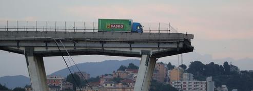 Gênes : le chauffeur du camion qui a évité de justesse le vide témoigne