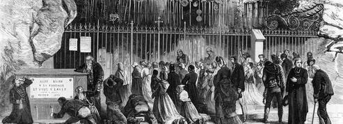 1872 : des milliers de pèlerins affluent à Lourdes pour prier la Vierge