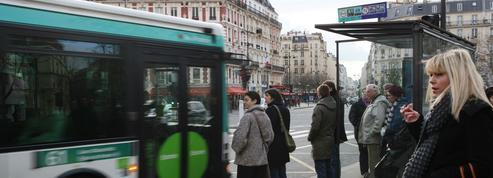 Homme poignardé dans un bus à Paris : le suspect déféré devant le parquet