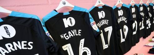 Le club de Norwich repeint en rose les vestiaires visiteurs pour affaiblir son adversaire