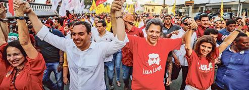 Brésil: l'inégibilité de Lula rebat les cartes de la présidentielle