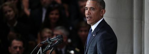 Barack Obama retourne dans l'arène politique