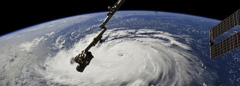Les États-Unis se préparent pour l'ouragan Florence, les Antilles à Isaac