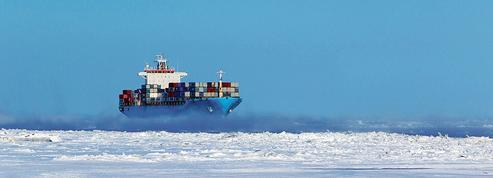 Pour la première fois, un porte-conteneurs emprunte la route arctique
