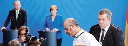 À Berlin, Erdogan se confronte à ses opposants
